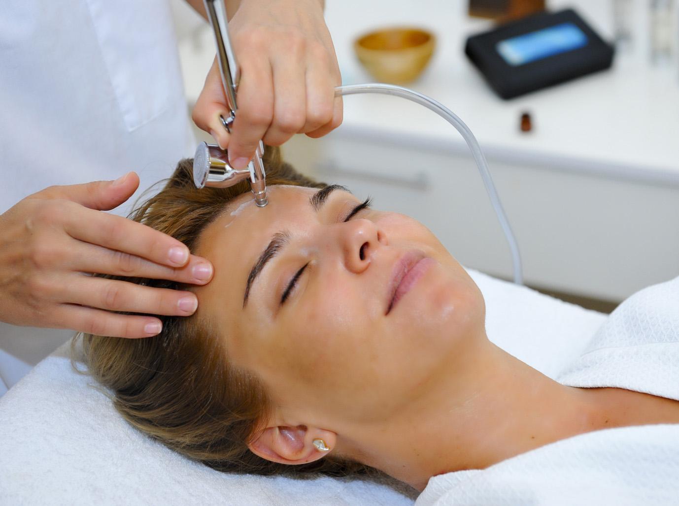 Кислородная терапия на лицо